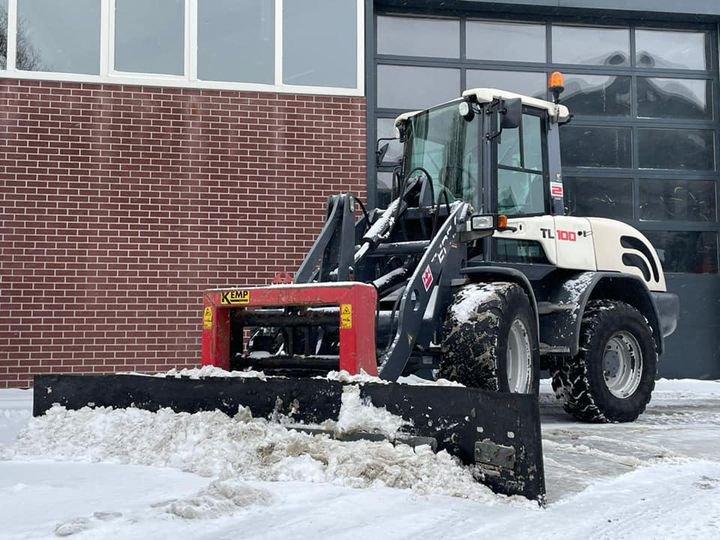 De sneeuw is gesmolten dus het werk voor deze Terex shovel als terrein chef zit er weer op