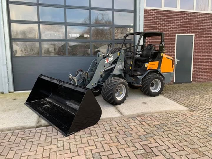 Giant V4502T afgeleverd te Groot-Ammers