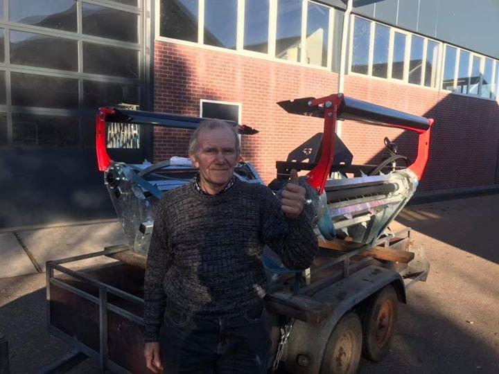 Nieuwe Blaney forager X10 balenvoermachine voor Dhr Aalvanger uit Dalfsen