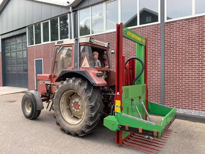 Nieuwe Strautmann kuilvoersnijder afgeleverd te Noordeloos